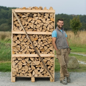 2m3 Crate of Kiln Dried Logs & 6 FREE kindling (call before ordering)